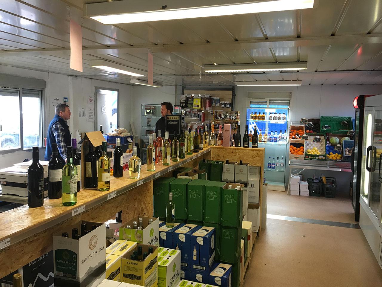 Polley shop intérieur du magasin